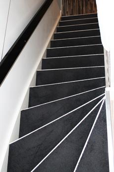 Måla plastmatta trapp